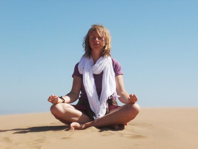 Meditation_in_der_Namib